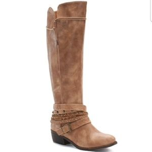 ISO Buckle Boots (Don't buy)